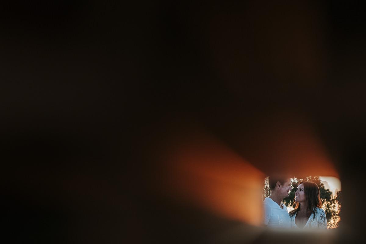 Que decir de esta familia, los conocemos hace unos años ya que le hemos hecho diferentes eventos a la familia, incluidos los XV años de Valentina, una de las hijas de ellos, una familia que desde siempre nos abrio las puertas, nos trato de la mejor manera y siempre nos brindo una gran confianza para que nuestro trabajo salga de la mejor manera, hasta ofreciendonos la intimidad de su hogar para retratarlos en su propia habitacion. Este es un resumen de la preboda, del civil, del postcivil y del dia de su fiesta Junto a nosotros estuvo Walter Montero en video.https://www.instagram.com/walter_montero_videografo/ Izaguirre Pereyra la increible decoracion.https://www.instagram.com/izaguirre.pereyra/ Studio MakeUp dejo impecable a la novia.https://www.instagram.com/izaguirre.pereyra/